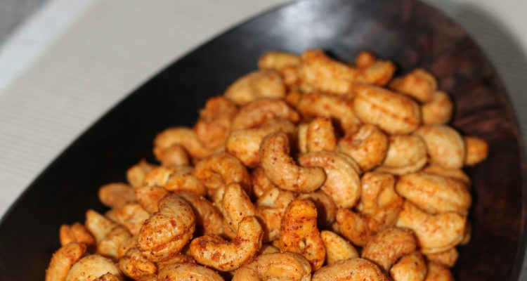 Spicy Roasted Cashews